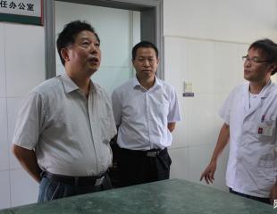 陈运中一行莅临郧阳区中医医院调研中医药工作